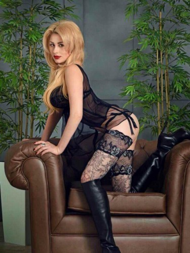 Sex ad by kinky escort Izabella (23) in Istanbul - Photo: 4