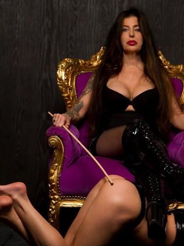 Fetish Mistress Escort Kim in Almere, Netherlands - Photo: 2