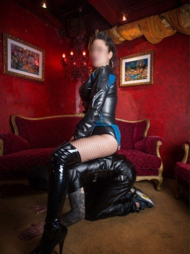 Fetish Mistress Escort Lucy in Almere, Netherlands - Photo: 5