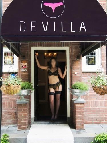 Emma nu bij privehuis Club De Villa in Beekbergen - Foto: 2