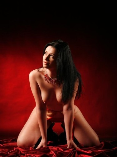 Sex ad by escort Ely (21) in Bucharest - Photo: 3