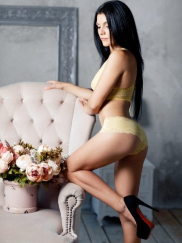 Sex ad by escort Vika (22) in Istanbul - Photo: 3