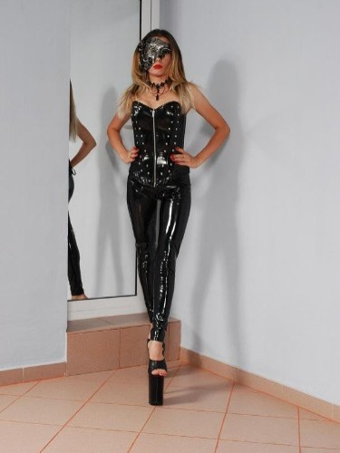 Fetish Mistress Escort Mistress Emma in The Hague, Netherlands - Photo: 1
