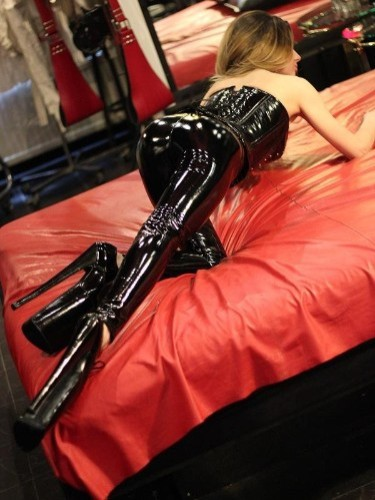 Mistress Emma brothel sex date in The Hague - Photo: 6