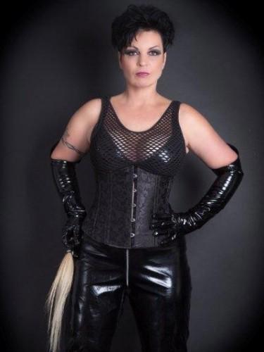 Fetish Mistress Escort Meesteres Isabel in Venlo, Netherlands - Photo: 5