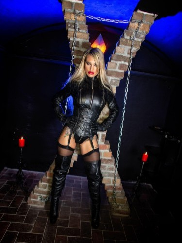 Fetish Mistress Escort Calea Toxic in Almere, Netherlands - Photo: 3