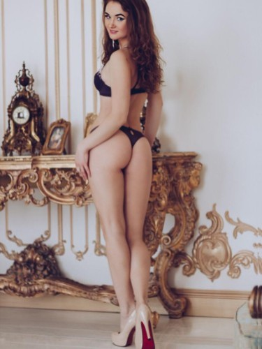 Debora escort in Istanbul - Photo: 4