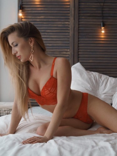 Sex ad by escort Dasha (24) in Istanbul - Photo: 1