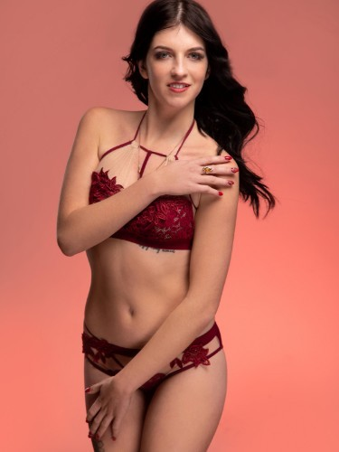 Sex ad by escort Valeria (19) in Istanbul - Photo: 3