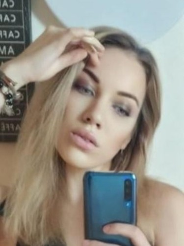 Sex ad by escort Karina (22) in Istanbul - Photo: 4