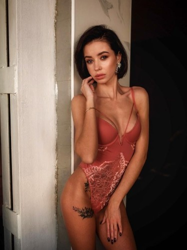 Sex ad by escort Karolina (21) in Istanbul - Photo: 1
